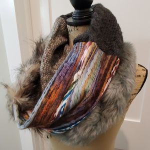 Anthopologie SUPER COOL & Thick scarf